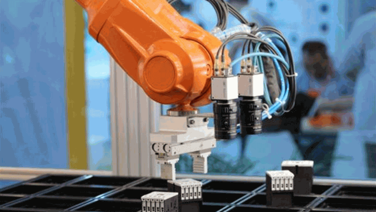 What is the future trend of the international servo system?